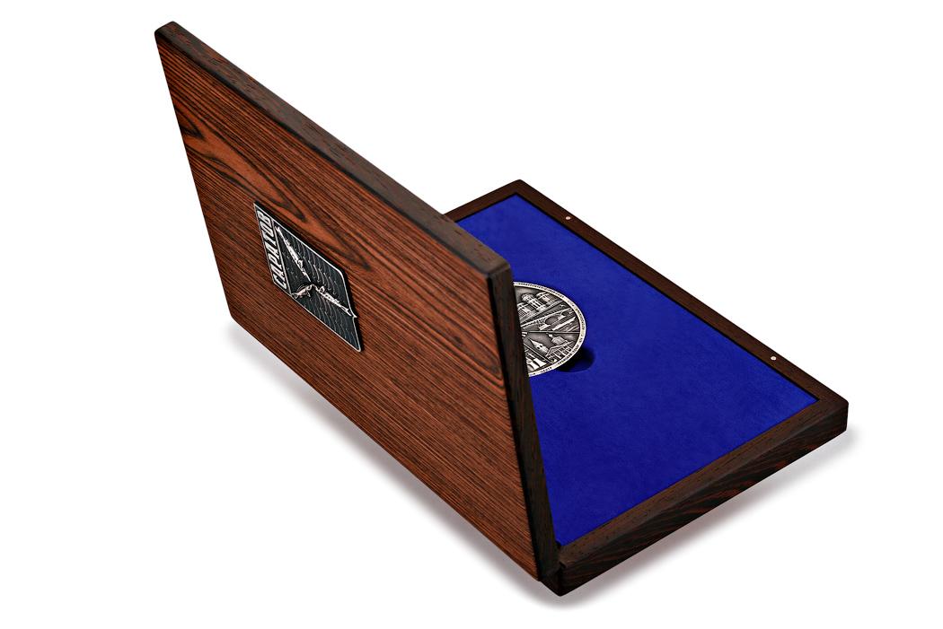 Медаль «Город Саратов» в большом футляре Венге (фото 42)