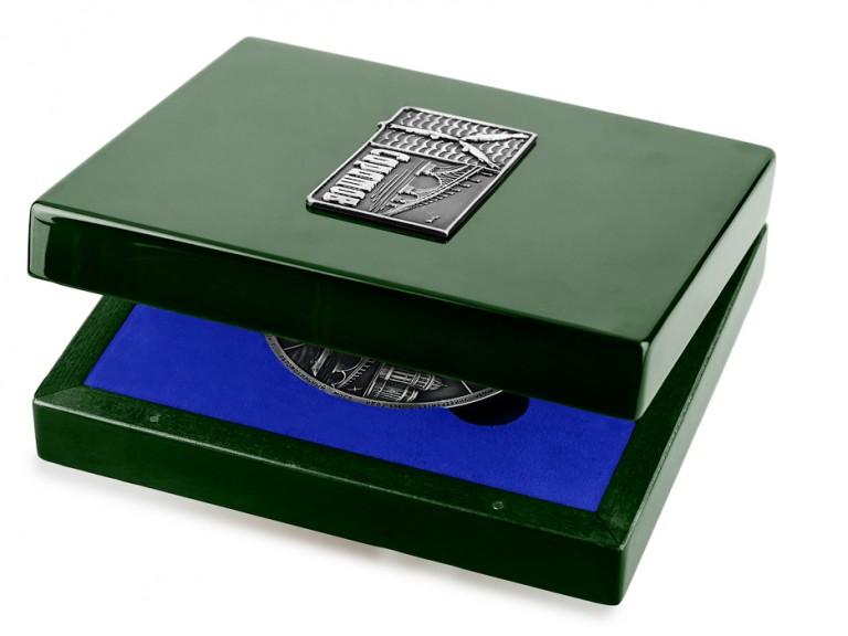 Медаль «Город Саратов» в футляре зеленый Бук