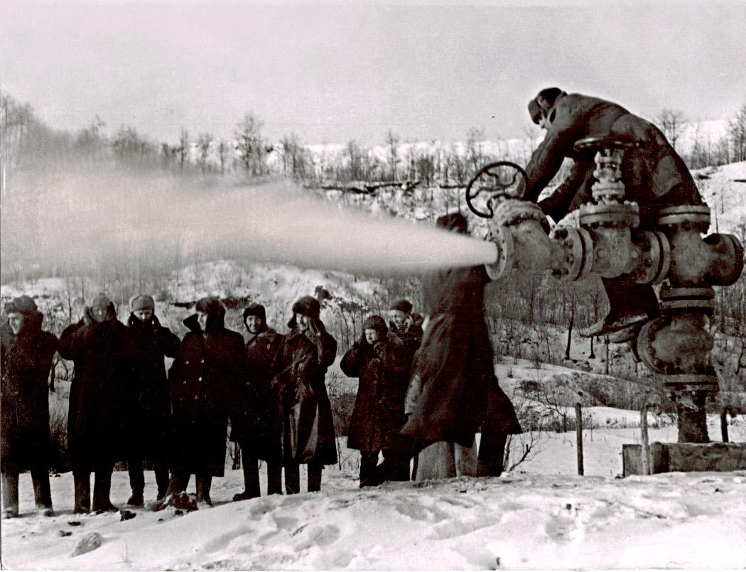 Первая газовая скважина Елшанка