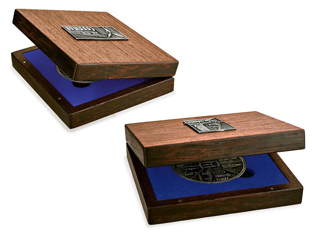 Подарочная медаль «Город Саратов» в футляре