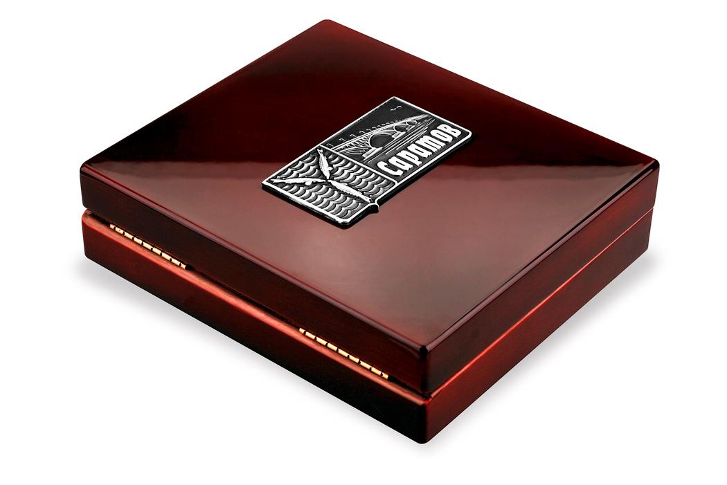 Медаль «Город Саратов» в футляре красный Бук (Фото 1)