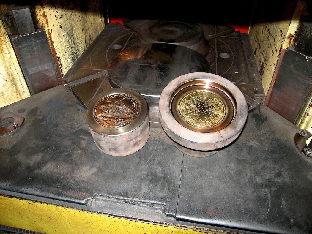 Медаль «Город Саратов» в футляре красный Бук (Фото 40)