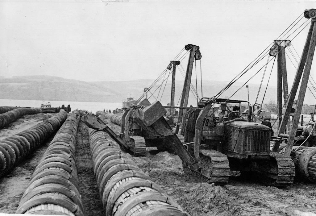Строительство газопровода СССР